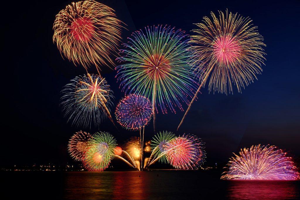 花火大会のイメージ写真